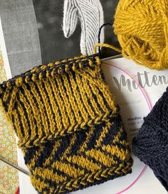 Knit Mittens, Knitted Blankets, Mitten Gloves, Knitted Hats, Fair Isle Chart, Fair Isle Knitting, Collar And Cuff, Hand Warmers, Handicraft