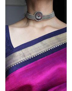 For All Jewellery Styling Inspirations, Check Her Out! Indian Look, Indian Wear, Saree Jewellery, Plain Saree, Elegant Saree, Saree Look, South India, Half Saree, Beautiful Saree