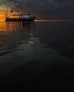 45 vind-ik-leuks, 3 reacties - Boeksz & Fotografie / Peter (@boeksz) op Instagram: 'Het rijtje van Boeksz is vandaag samengesteld door Marco Krebaum (@marcokrebaum) .... een nieuwe…' Beach, Water, Outdoor, Instagram, Water Water, Aqua, Outdoors, The Beach, Seaside
