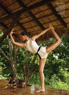 Yoga Girl (Gisele Bu