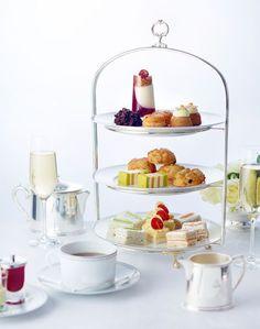 Le tea time du Peninsula Paris.