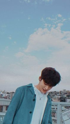Chanwoo Ikon, Kim Hanbin, Funny Fights, Ikon Kpop, Ikon Wallpaper, Korean Products, All Star, My Destiny, Tumblr Boys