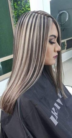 Best Hair Highlights And Lowlights Short 23 Ideas Brown Hair With Blonde Highlights, Balayage Hair Blonde, Hair Color Highlights, Hair Color 2018, Dramatic Hair, Gorgeous Hair Color, Pinterest Hair, Light Hair, Hair Dos