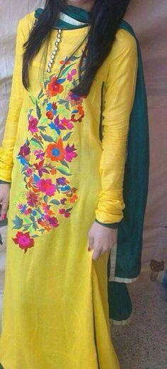 Yellow kameez wid green duppata