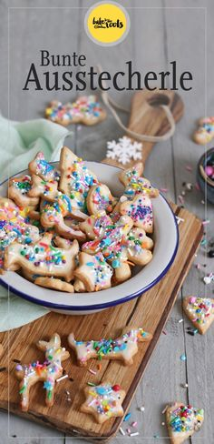 These cookies are made with a basic dough – easy and quick to make. They will have a lot of fun decorating these cookies. Christmas Cookies Kids, Xmas Cookies, Christmas Baking, German Cookies, Baking With Kids, Easy Cookie Recipes, Simple Christmas, Holiday Recipes, Bakery