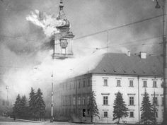 Germany invades Poland, September 1939 / The Royal castle in Warsaw burns, set on fire by the German bombardment. Invasion Of Poland, Warsaw Ghetto, Warsaw Poland, Poland History, Homestead Survival, World War Ii, Wwii, Oregon, Castles
