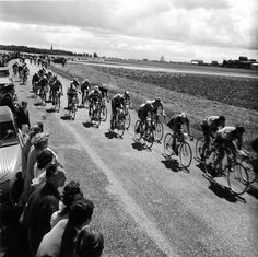 #Robert Doisneau Photography|Tour de France en Beauce 1962 |¤ Robert Doisneau | 11 juillet 2015 | Atelier Robert Doisneau | Site officiel