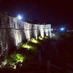 성곽도 너무 멋지고, 야경도 너무 멋져요