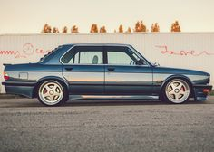"""BMW 535i e28 Turbo """"Tell me that ain't kicking it with old school ! Louvers on the rear window? """"Y-e-e-a-a-h b-a-a-by !!"""" THG"""