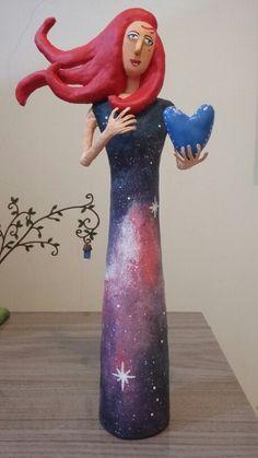 Papel Machê - E ela vestiu-se de estrelas e ofereceu o seu coração.