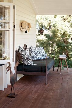 50 Farmhouse Porch Makeover Ideas – Best Home Decorating Ideas Outdoor Rooms, Outdoor Living, Outdoor Ideas, Outdoor Couch, Building A Porch, Porch Makeover, House With Porch, Australian Homes, Porch Swing