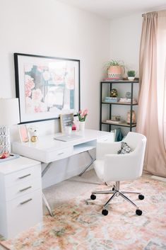 31 White Home Office Ideas To Make Your Life Easier; home office idea;Home Office Organization Tips; chic home office. Mesa Home Office, Home Office Space, Home Office Desks, Home Office Furniture, Small Office, Modern Furniture, Furniture Plans, Kids Furniture, Furniture Design