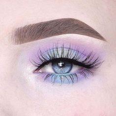 "El Anneloes Debets Hit ""Lillylashes"" im Stil ""Opulence"" - Make-up sieht aus - . - Make Up 2019 Makeup Eye Looks, Eye Makeup Art, Colorful Eye Makeup, Cute Makeup, Pretty Makeup, Makeup Inspo, Eyeshadow Makeup, Makeup Ideas, Makeup Kit"