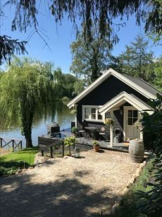 cottage garten Im in love with this dream small lake house in Co. cottage garten Im in love with this dream small lake house in Copenhagen. This amazing summerhouse is available for rent on airbnb. Nice and idyllic cottage / cottage for a family or.