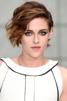 Don't want to go this short but like the front and color  Kristen Stewart   - HarpersBAZAAR.com