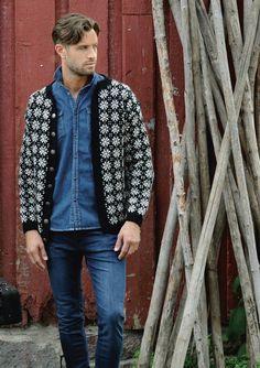 "Ravelry: Nr 6 ""Krystall"" herrekofte pattern by Sandnes Design Knitting Stiches, Hand Knitting, Knitting Patterns, Knit Cardigan, Knit Sweaters, Ikon, Color Combinations, Menswear, Inspiration"