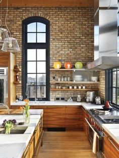 Modern Kitchen Interior Ideas for modern kitchens with exposed brick wall.some are pretty awful. ha - Exposed brick walls define one of the latest trends in modern kitchens Stylish Kitchen, Modern Kitchen Design, Interior Design Kitchen, New Kitchen, Kitchen Dining, Kitchen Ideas, Kitchen White, Loft Kitchen, Kitchen Decor