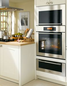 If you're remodeling your kitchen and love to entertain at home, consider a combi-steam oven. It combines convection and steam cooking for easy, delicious, healthful meals. Kitchen Interior, Kitchen Decor, Kitchen Design, Kitchen And Bath, New Kitchen, Miele Kitchen, Commercial Appliances, Built In Ovens, Updated Kitchen