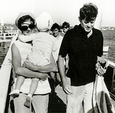 August 21, 1959: Jackie, JFK, and family members returning to shore after sailing off Hyannis, MA.