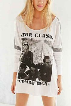 Trunk Long-Sleeve The Clash Tee - Urban Outfitters