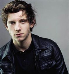 Jamie Bell - love love LOVE him in King Kong & The Eagle. <3