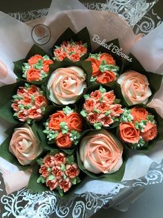 New cupcakes decoration valentine bridal shower Ideas Peach Cupcakes, Floral Cupcakes, Buttercream Cupcakes, Wedding Cakes With Cupcakes, Buttercream Flowers, Floral Cake, Party Cakes, Cupcake Flower Bouquets, Cake Flowers