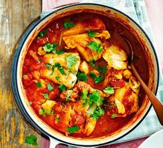 Curried cod An easy-to-prepare midweek one-pot with cod fillet, chickpeas, ginger and spices - it's healthy, low calorie and packed with iron too! Healthy Recipe Videos, Bbc Good Food Recipes, Easy Healthy Recipes, Healthy Dinner Recipes, Vegan Recipes, Biscoff Recipes, Weeknight Recipes, Skinny Recipes, Curry Recipes