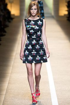 See the complete Fendi Spring 2015 Ready-to-Wear collection.