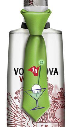 19th Hole Tie Bottle Topper has blinking lights T-12-216