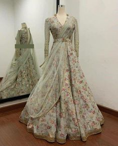 Indian Bridesmaid Dresses, Indian Gowns Dresses, Indian Bridal Outfits, Indian Fashion Dresses, Indian Designer Outfits, Designer Dresses, Abaya Fashion, Women's Fashion, Stylish Dresses For Girls