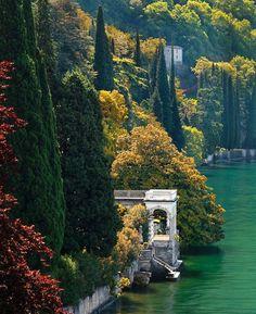 Lago di Como ~ Italy - Lake Como - a 'must' visit for anyone going to Italy!