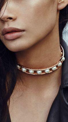 <3 @benitathediva   Pearl collar choker from Céline's Treasure