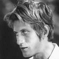 Wednesday 28th of April 1943 Singer-songwriter and actor Jacques Dutronc is born in 67 Rue de Provence, IXe, Paris, Île-de-France, France.