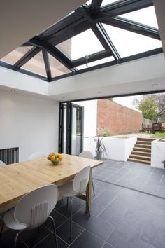 Awesome Roof Lantern Extension Ideas - The Urban Interior Extension Veranda, Orangery Extension, Ideas Terraza, Estilo Colonial, Kitchen Diner Extension, Interior Architecture, Interior Design, Interior Decorating, Interior Door