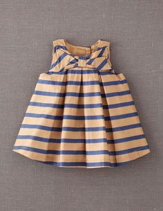 Maddies new years eve dress!! I've+spotted+this+@BodenClothing+Big+Bow+Party+Dress+Fudge/Navy