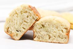 Low-Calorie Banana Bread - Simply Low Cal Low Calorie Banana Bread, Skinny Banana Bread, Moist Banana Bread, Low Calorie Desserts, Low Calorie Recipes, Snack Recipes, Dessert Recipes, Keto Recipes, Unsweetened Applesauce