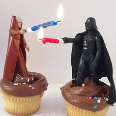 Turn Star Wars action figures into cake toppers use candles as light sabers. - Star Wars Funny - Funny Star Wars Meme - - The post Turn Star Wars action figures into cake toppers use candles as light sabers. appeared first on Gag Dad. Birthday Star, Birthday Parties, Cake Birthday, Birthday Kids, Sister Birthday, Bolo Star Wars, Star Wars Cake Toppers, Star Wars Cupcakes, Cupcake Toppers