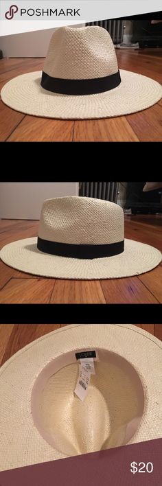 jcrew Panama hat! NWT Jcrew Panama hat Made from paper straw. Natural color with black detailing. Never worn. J. Crew Accessories Hats