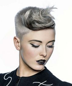 Short-Silver-Straight-hairstyles-platinum ☆☆