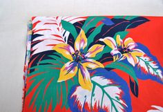 Tropical floral cotton fabric 1.70 yards red green nature big flowers lilies and leaves design pattern by Klaptik on Etsy #tropical #fabric
