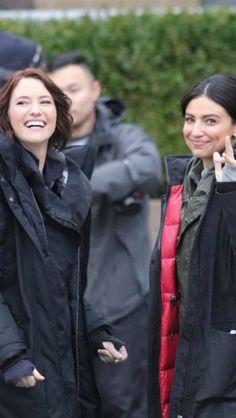 Chyler & Floriana in Supergirl's set.