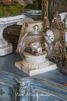 DIY Cloches using clear glass vases, glass knobs, Broken Glass Art, Sea Glass Art, Stained Glass Art, Clear Glass Vases, Glass Domes, Glass Jars, Cut Glass, Casa Magnolia, Cloche Decor