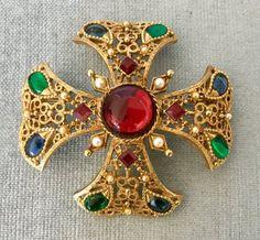 Cross Jewelry, Jewelry Art, Vintage Jewelry, Jewellery, Byzantine Gold, Maltese Cross, Chanel Jewelry, Baroque Pearls, Crystal Rhinestone