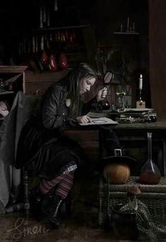 """WITCHCRAFT P53 In some traditions a high priestess who becomes Queen Witch over more than one coven adds a silver buckle to her garter for each coven under her. It is also used in the use of """"lithomancy"""", a type of divination where 13 stones are cast inside a witch garter."""