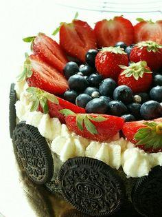 Fruity oreo cheesecake