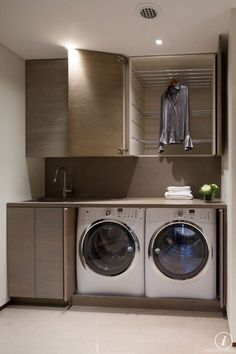 Nice 109 Clever Small Laundry Room Design Ideas https://roomaholic.com/2191/109-clever-small-laundry-room-design-ideas