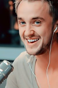 Tom Felton have I mentioned his smile Tom Felton, Draco And Hermione, Hermione Granger, Severus Snape, Ron Weasley, Harry Potter Facts, Harry Potter Love, Dramione, Drarry