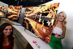 Dünya'nın İlk Esnek Kavisli OLED TV' si LG Flexible OLED TV