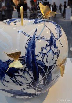 Porcelain Ceramics, Ceramic Pottery, Ceramic Art, Going Dutch, Blue And White China, China Art, Ceramic Design, Delft, Art Decor