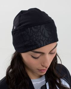 Frosty Run Toque *RFLV LACE $38. VEUC. selling with frosty run rflv lace gloves set for $60 plus shipping